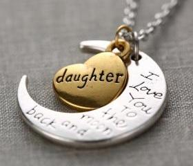 Fashion High Quality Non-fading Moon and Heart Daughter Pendant Chain Necklace as Gift
